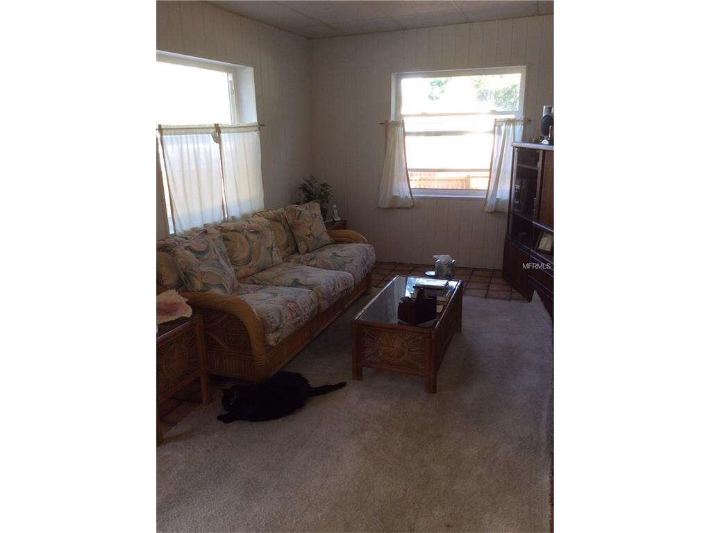 8666 139th Street, Seminole, FL 33776