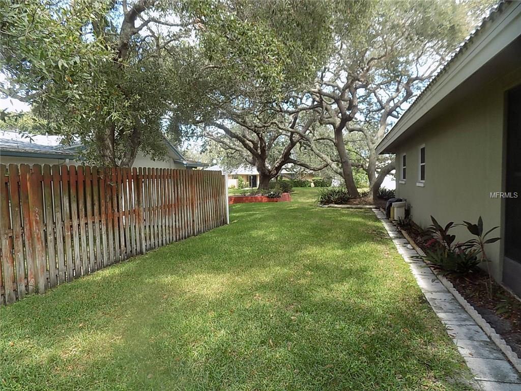 14542 Bay Hills Drive, Largo, FL 33774