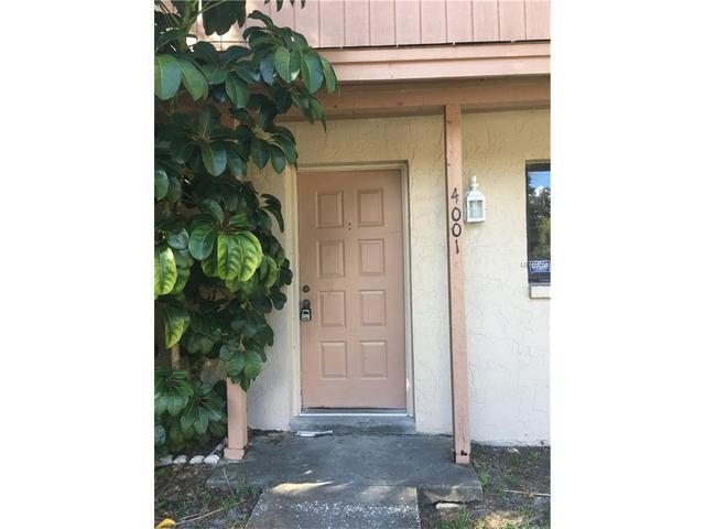 4001 Oak Limb Ct, Tampa, FL 33614