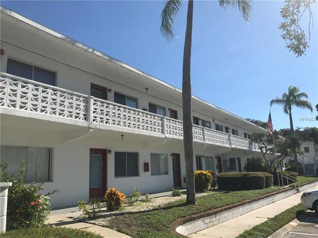 8425 112th St #207, Seminole, FL 33772