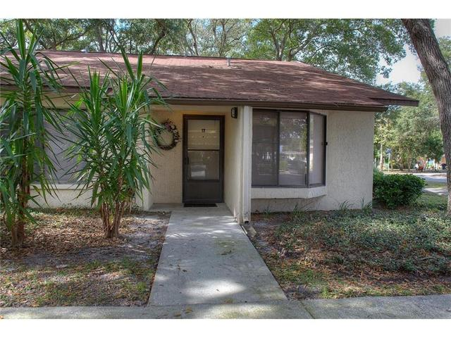 829 3rd Ave SW #17, Largo, FL 33770