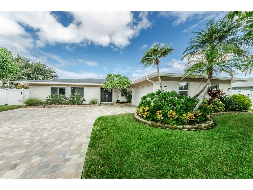 310 Palm Island NE, Clearwater Beach, FL 33767