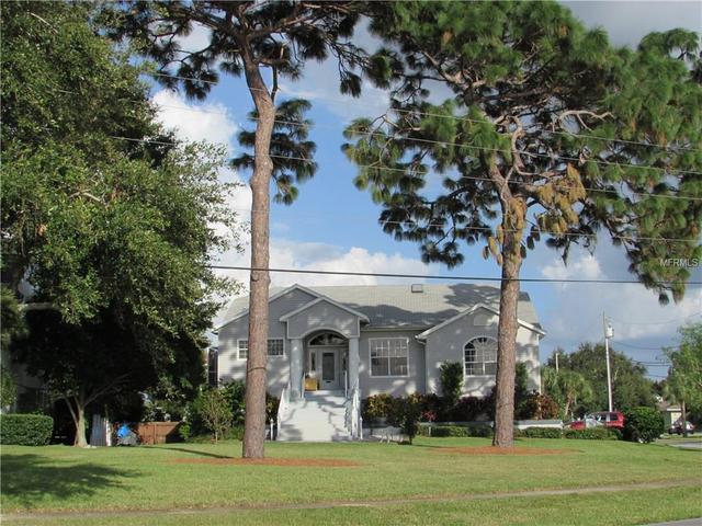 489 Riverside Dr, Tarpon Springs, FL 34689