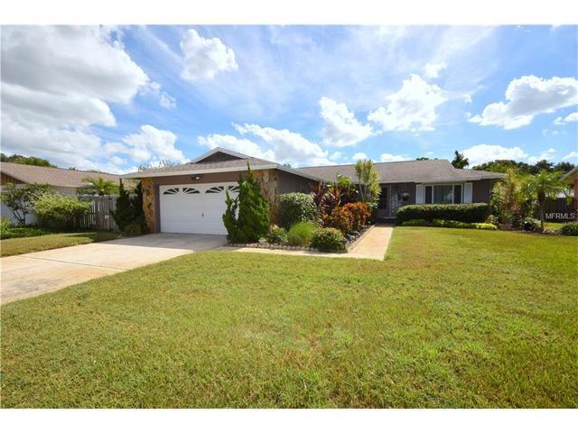 13368 Hacienda Dr, Largo, FL 33774