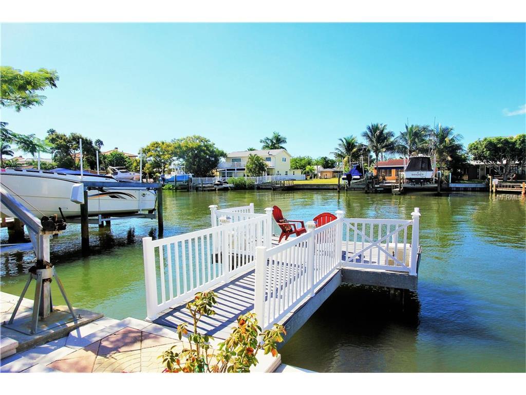17720 Long Point Dr, Redington Shores, FL 33708