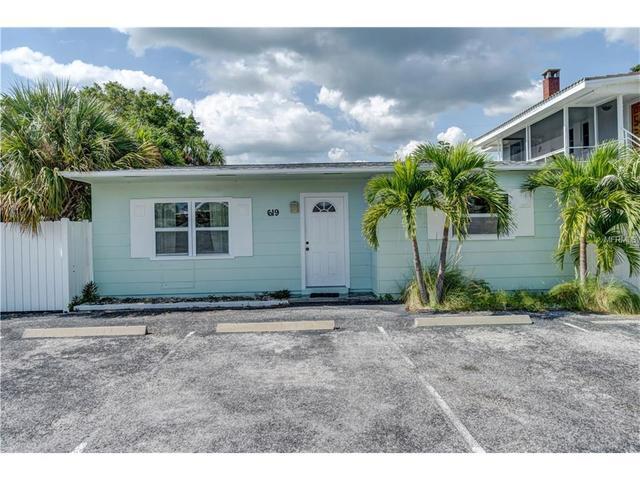 621 70th Ave, Saint Pete Beach, FL 33706