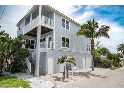 106 93rd Ave, Treasure Island, FL 33706