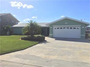 8053 Island Dr, Port Richey, FL