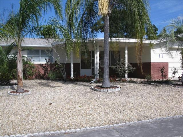5611 Dolores Dr, Holiday FL 34690
