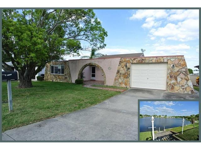 3652 Rock Royal Dr, Holiday FL 34691