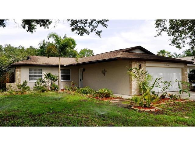 417 Evergreen Dr, Oldsmar, FL