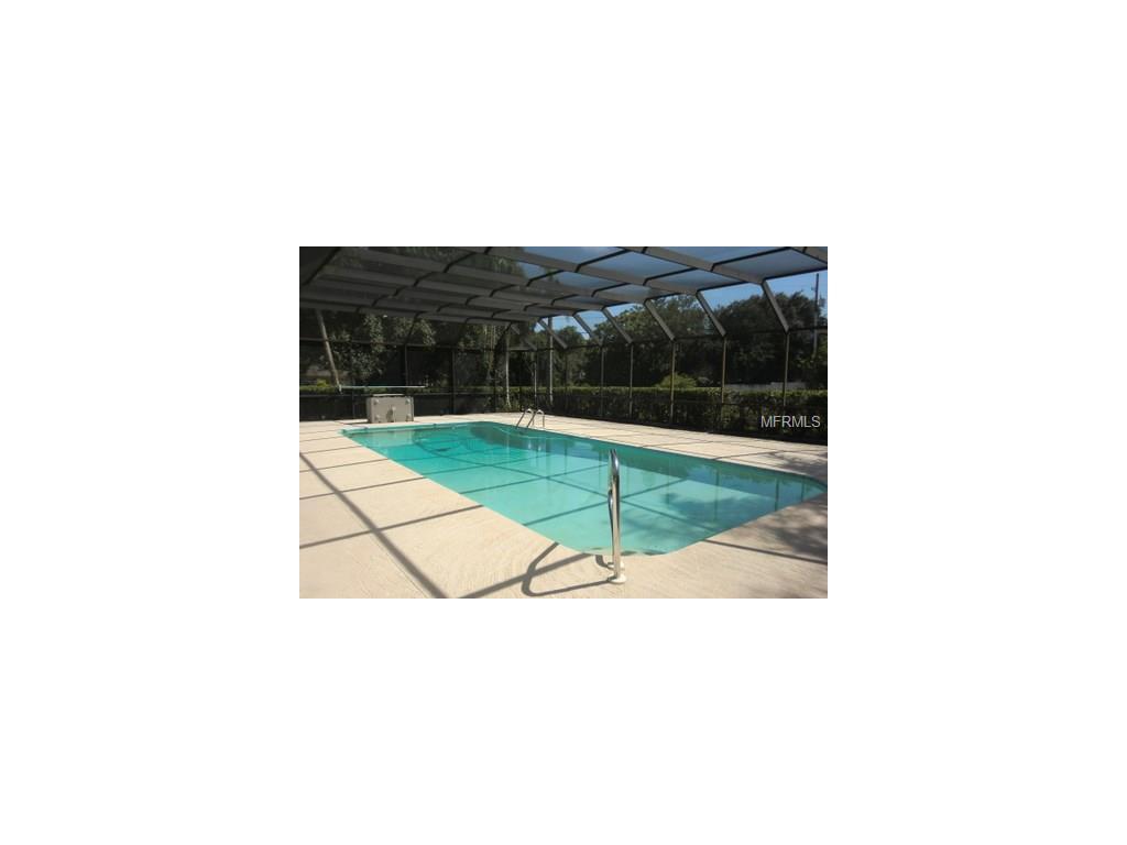 1111 Beaver Dr, Tarpon Springs, FL 34689