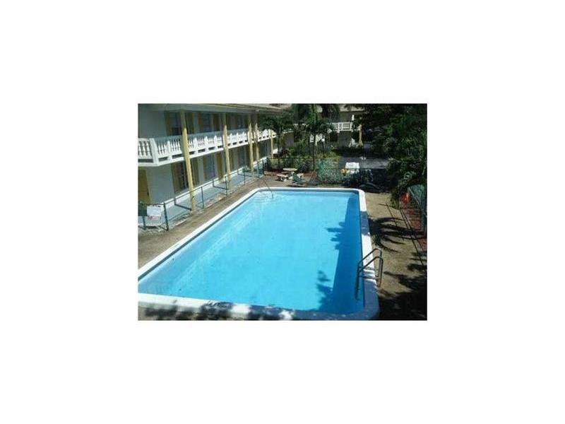 3100 Coral Springs Dr #APT 2a, Pompano Beach, FL