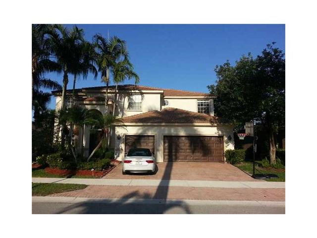 2527 Eagle Run Dr, Fort Lauderdale FL 33327