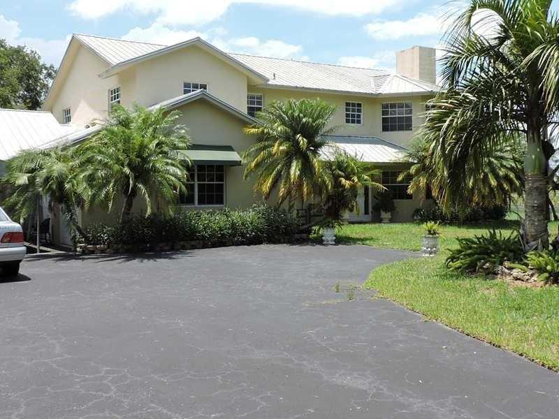 18390 SW 158 St, Miami, FL