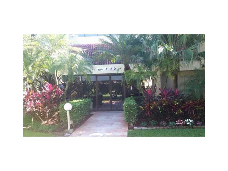 210 Lakeview Dr #APT 302, Fort Lauderdale, FL