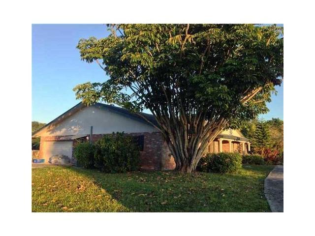 1101 N Old Hiatus Rd, Fort Lauderdale, FL