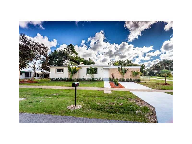 104 NE 18th St, Homestead, FL