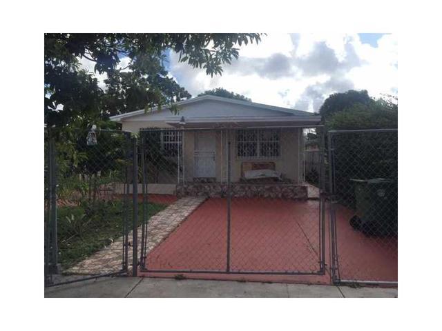 570 E 16th St, Hialeah, FL