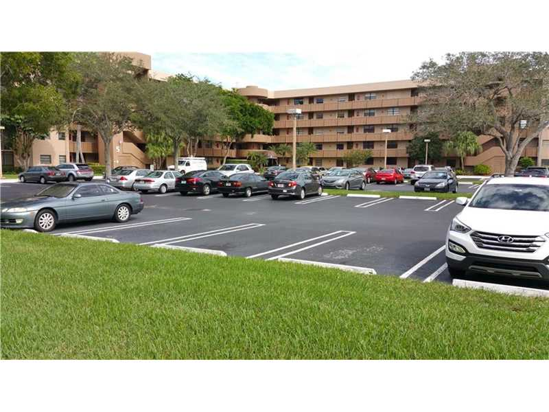 1001 Colony Pt #APT 516, Hollywood, FL