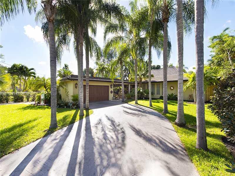 12580 Griffing Blvd, Miami, FL