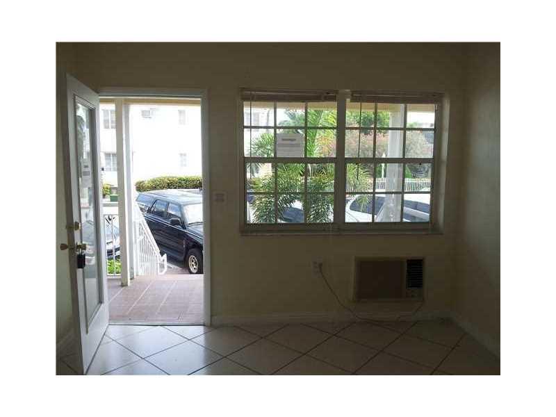 7355 Byron Ave #APT 8, Miami Beach FL 33141