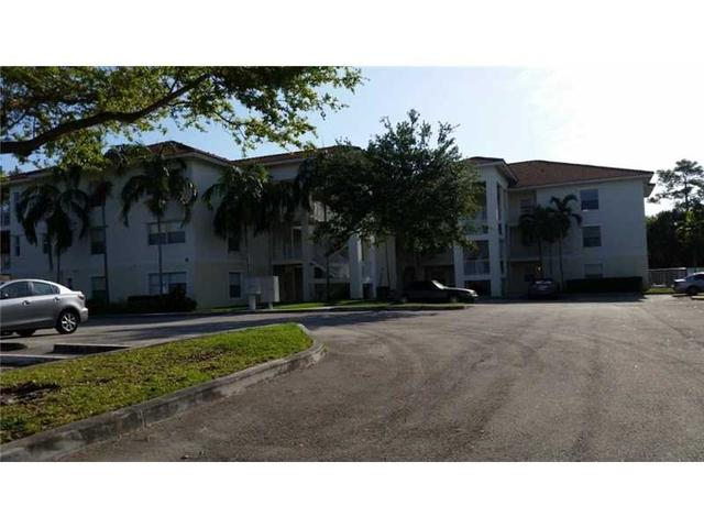 2941 Riverside Dr #APT 304, Pompano Beach, FL