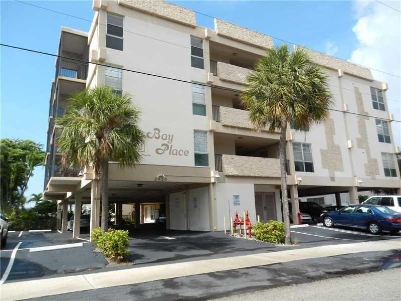 2420 Diana Dr #APT 302, Hallandale, FL