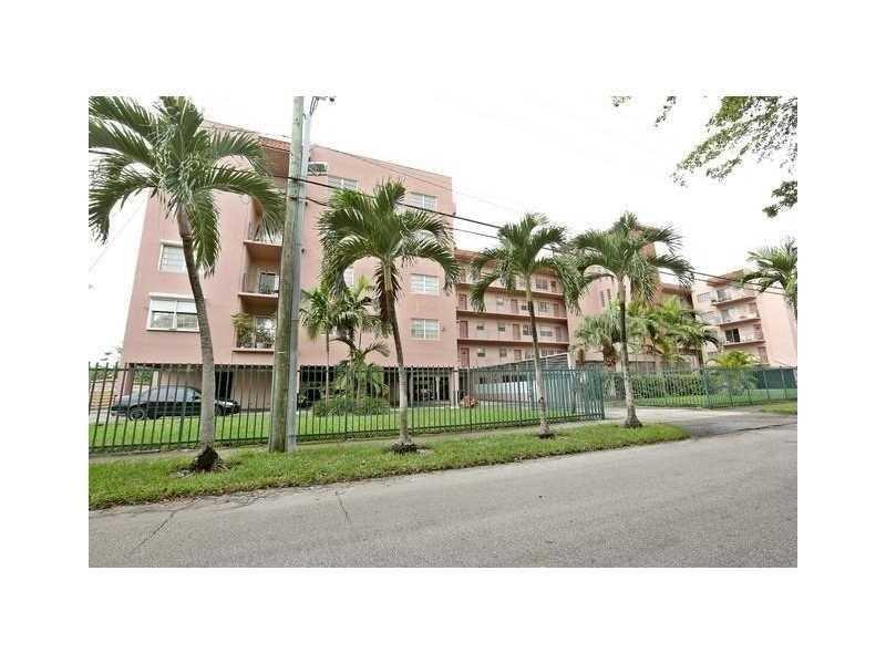 900 SW 84th Ave #APT 310a, Miami, FL