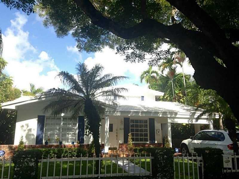 824 Alberca St, Miami, FL