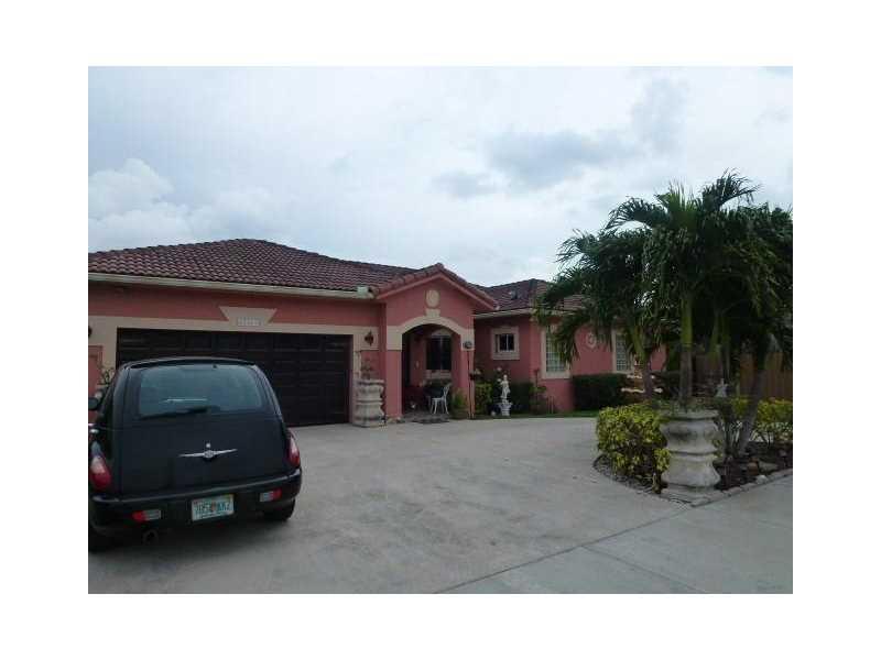 15413 SW 184th St, Miami, FL