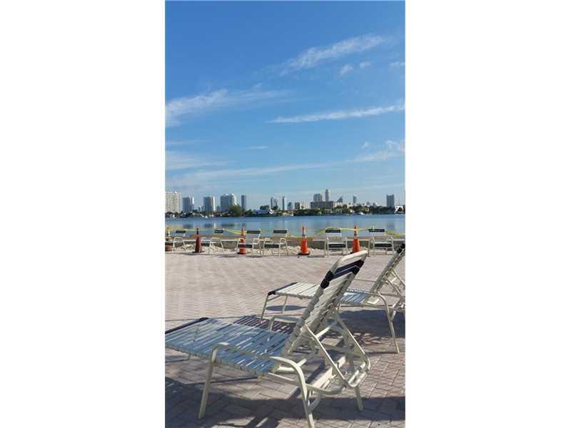 16565 NE 26 Th Ave #APT 3-bw, North Miami Beach, FL