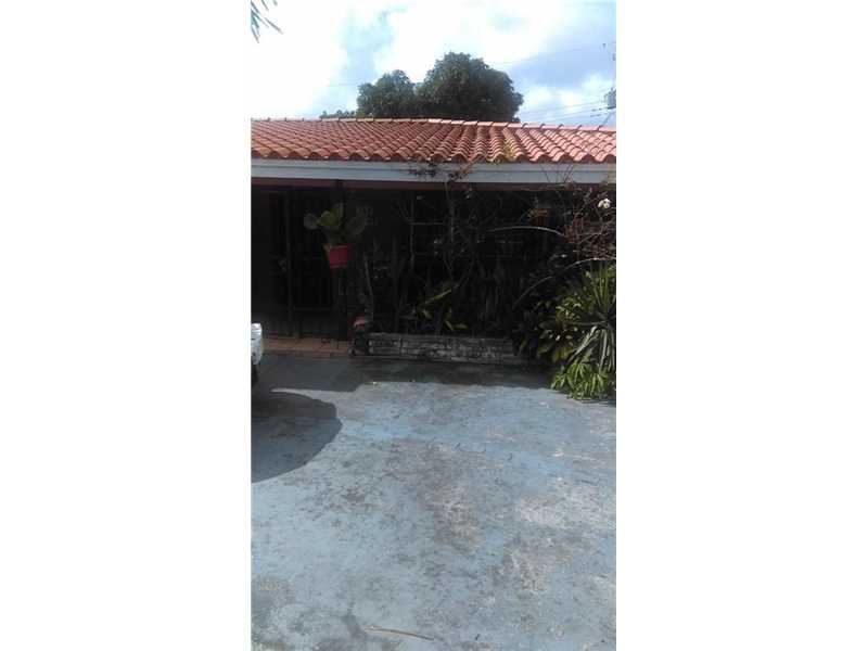 118 SE 9th Ct, Hialeah, FL