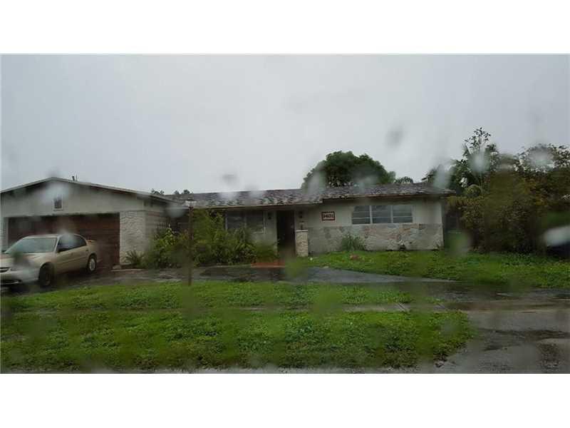 9401 NW 5th St, Hollywood, FL