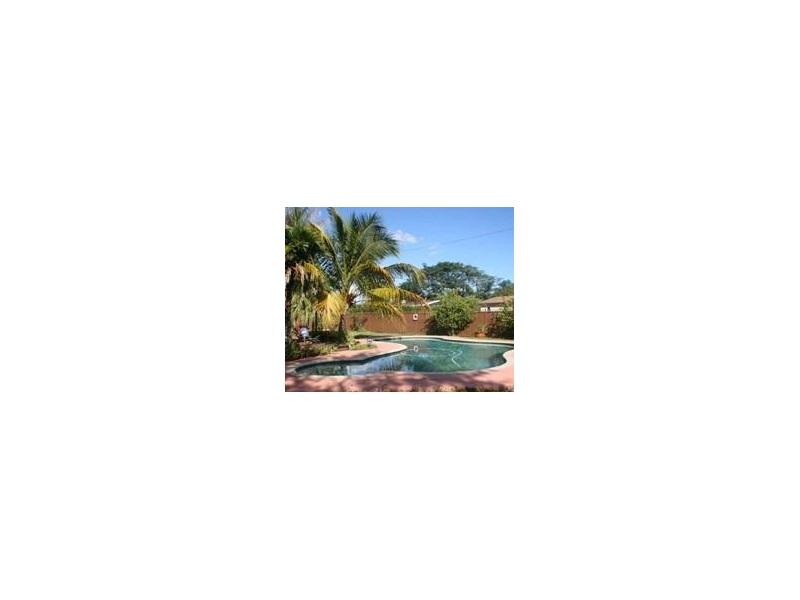 20715 Jacaranda Rd, Miami, FL