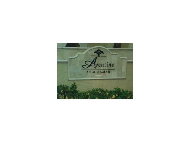 2548 Centergate Dr #APT 103, Hollywood FL 33025