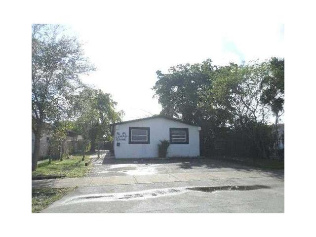 2748 NW 13th St, Fort Lauderdale, FL 33311