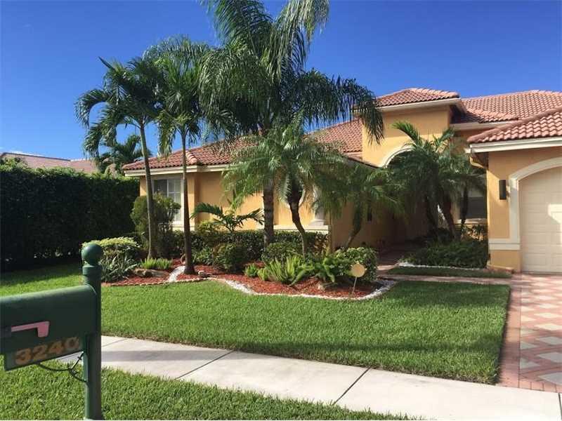 3240 SW 186th Te, Miami, FL