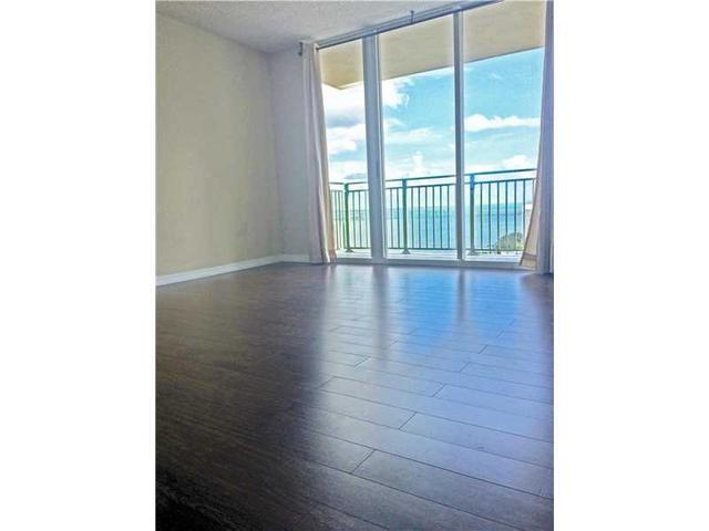 1155 Brickell Bay Dr #1607, Miami, FL 33131