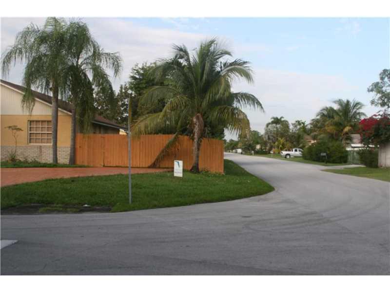 12905 SW 191st Ter, Miami, FL
