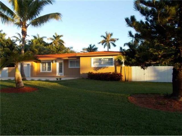 15045 N Spur Dr, Miami, FL