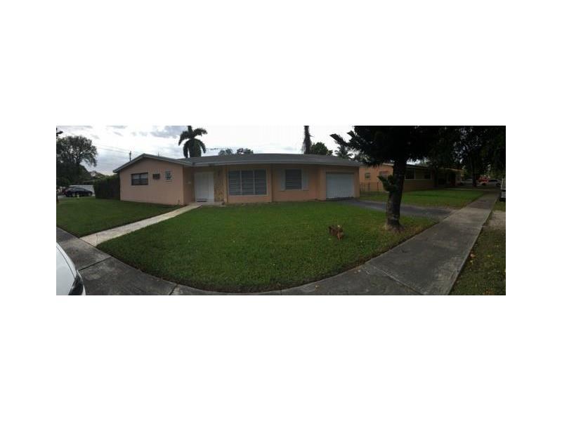 790 NE 155th St, Miami, FL