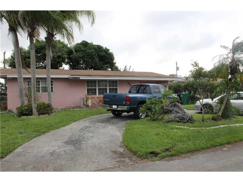 7932 Meridian St, Hollywood, FL