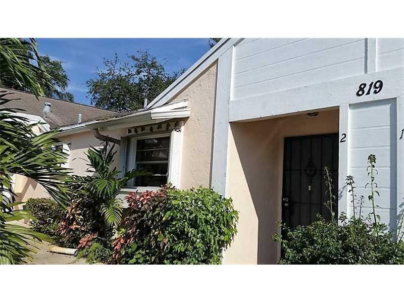 819 NE 214th Ln #APT 2, Miami, FL