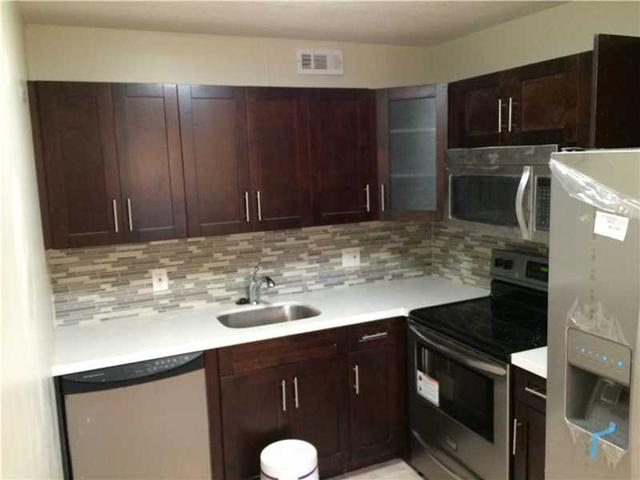 13155 SW 7th Ct Apt 105, Hollywood FL 33025