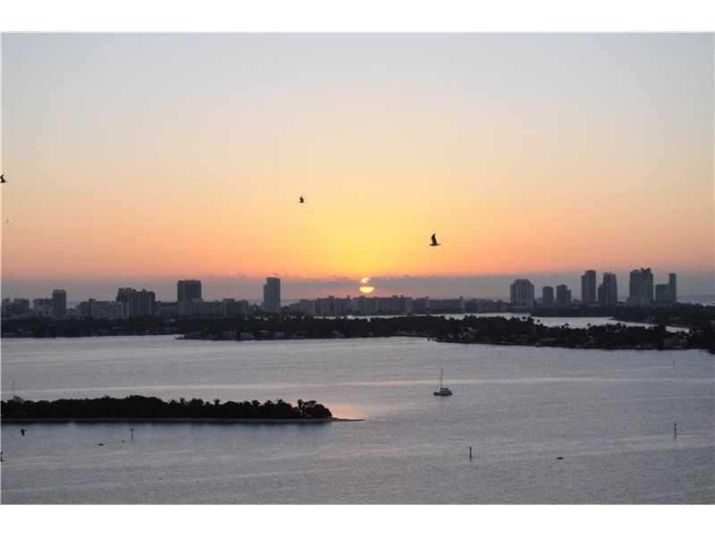 700 NE 25 St #2002, Miami, FL 33137