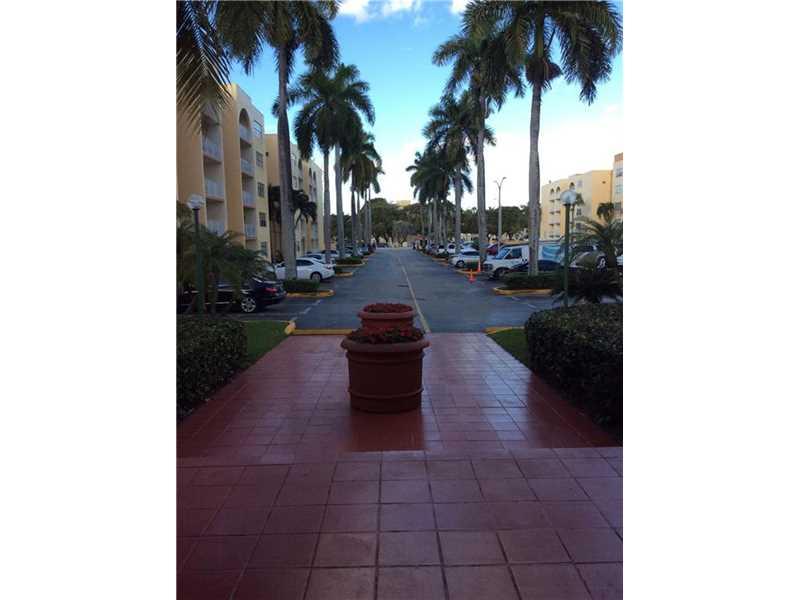 6980 NW 186th St #APT 3-122, Hialeah, FL