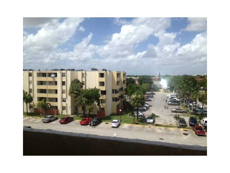 10000 NW 80th Ct #APT 2555, Hialeah, FL