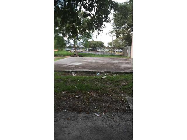 1441 Kia Dr, Homestead, FL