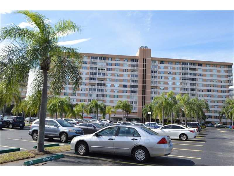 3850 Washington St #APT 203, Hollywood, FL